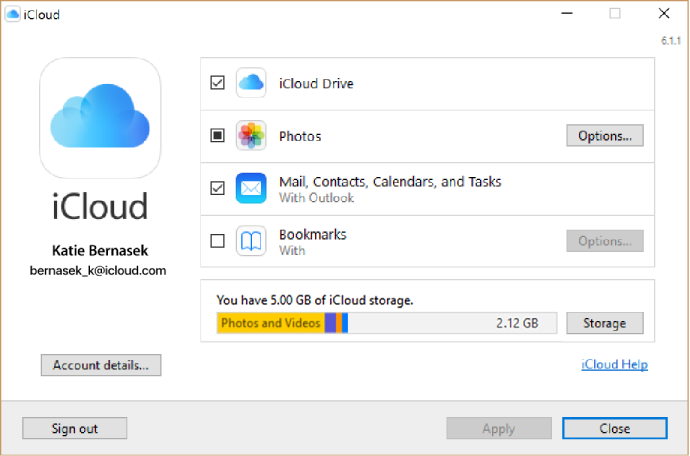 Checkboxes next to iCloud services
