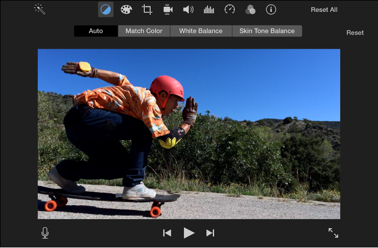 iMovie for Mac: Adjust a clip's color