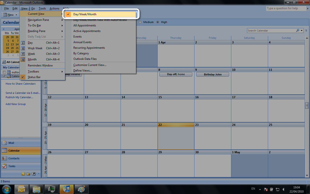 Picture of Outlook menu View > CurrentView > Day/Week/Month with monthly view
