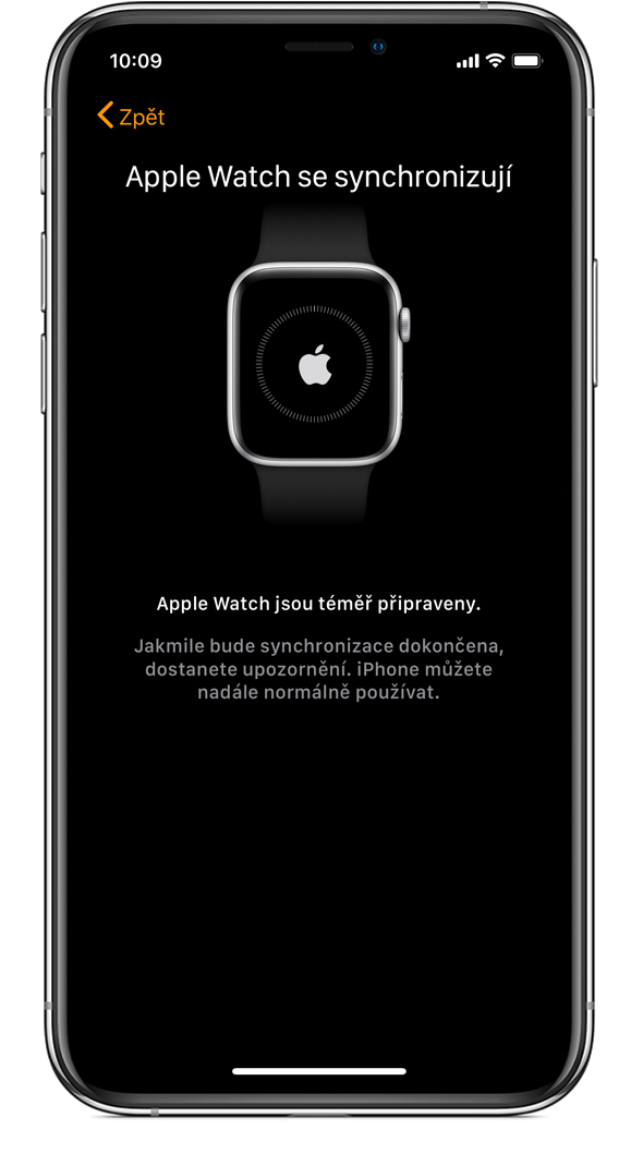 Obrazovka Apple Watch se synchronizují na iPhonu.
