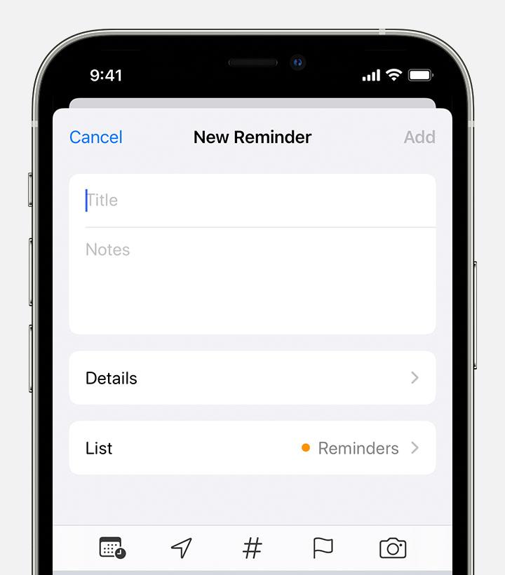 Экран «Новое напоминание» на iPhone, где можно добавить заголовок, заметки и другие сведения для создания напоминания.