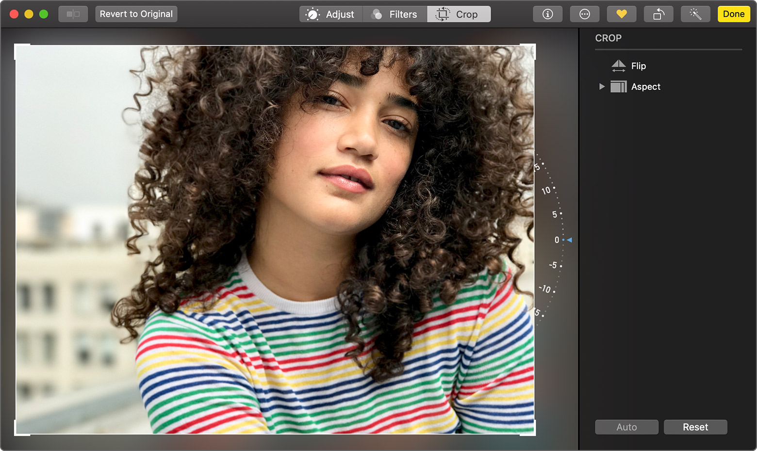 using the Crop tool in Photos on Mac