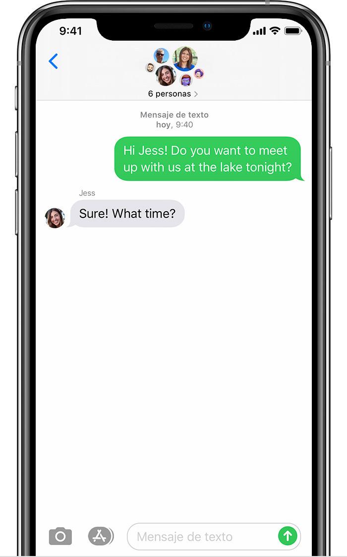 iPhone que muestra un mensaje MMS en grupo con seispersonas.