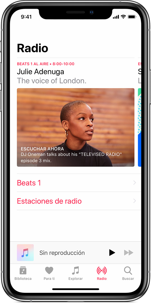 Un iPhone X con Apple Music abierto en la sección Radio.