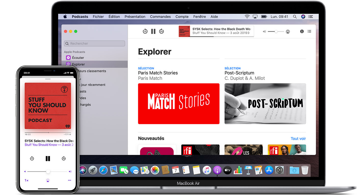 iPhone et Mac affichant l'app Apple Podcasts, avec le podcast Stuff You Should Know (Les choses qu'il faut savoir)