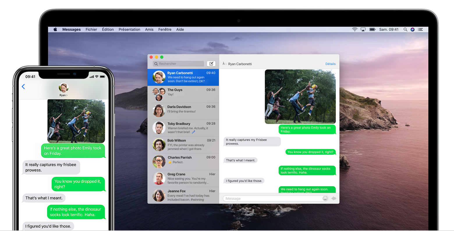 Un iPhone et un Mac affichant la même conversation par SMS